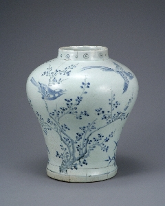 Jar with Birds, Plum Tree and Bamboo Design in Und 대표 이미지