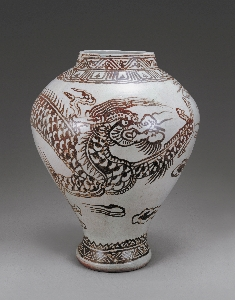 Jar with Dragon and Cloud Design in Underglaze Iro 대표 이미지