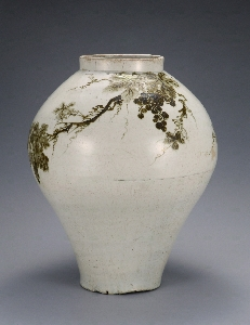 Jar with Grapevine Design in Underglaze Iron 대표 이미지