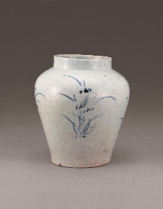 Jar with Orchid Design in Underglaze Blue 대표 이미지