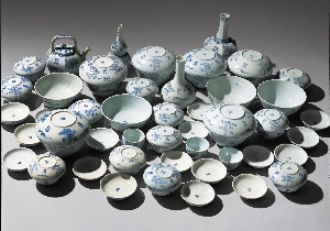 "Dinner Set with ""Su"" and ""Bok"" Characters in Under 대표 이미지"