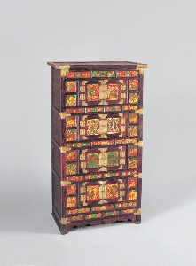 Four Tiered Chest Decorated with Painted Ox Horn 대표 이미지